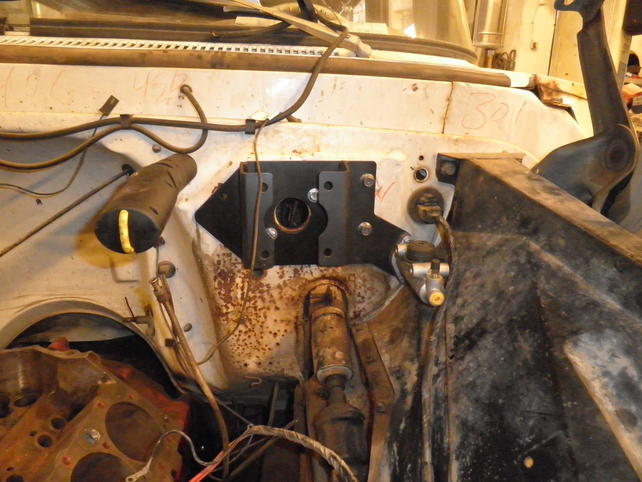 ID '63-'66 Power Brake Booster Bracket With Hydraulic Clutch